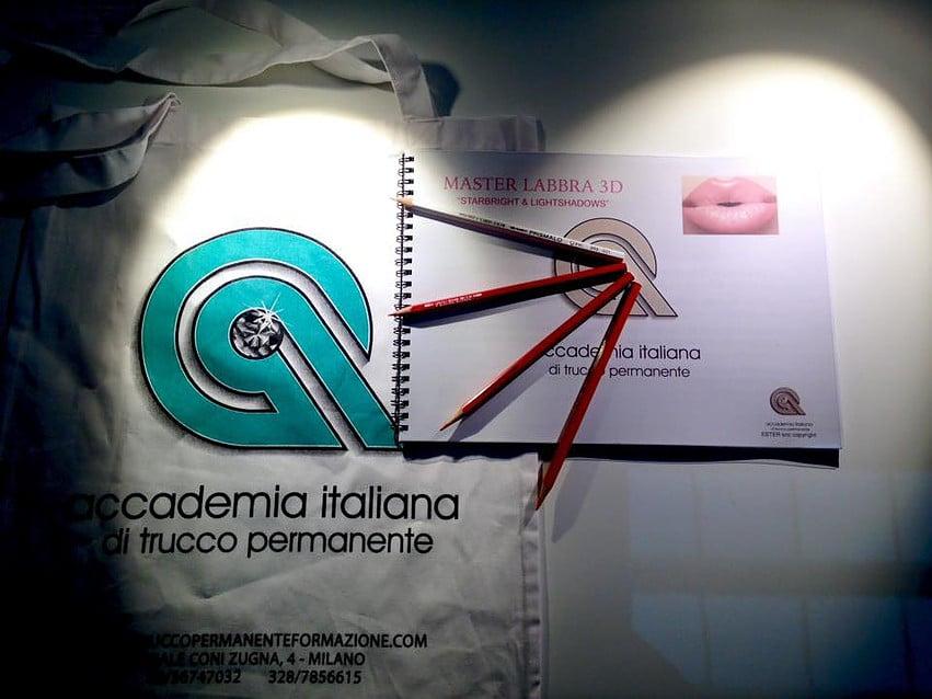 materiali corso - Corso trucco permanente Napoli